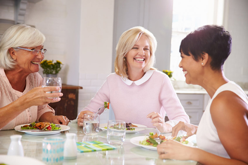 The Keto diet helps women lose weight quickly, and it protects their brain from Alzheimer's disease.