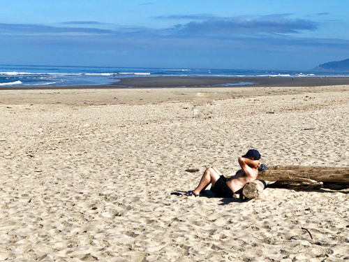 Manhattan Beach State Park is very secluded during the week. It's a great place to refresh your spirit.