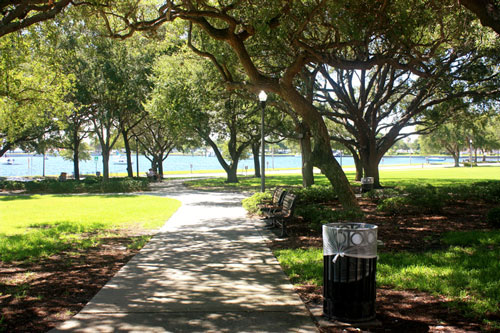 Being a snowbird in St Pete means relaxing in beautiful downtown parks.