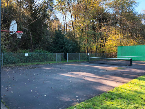 Manzanita City Park basketball court.